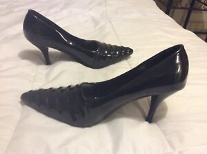 Women shoes size 8, worn once