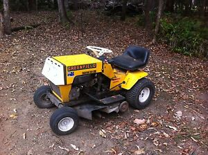 "Greenfield 32""Ride On Mower & 11hp motor for spares - Broken Axle Cooroy Noosa Area Preview"