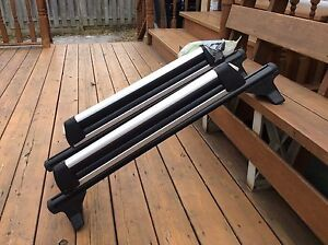 Roof rack with attachment for skies/snowboards. Cornwall Ontario image 2