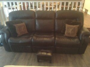 Palliser Brown Leather Reclining couch - perfect condition.