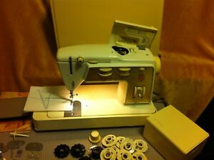 Singer Golden 750 Touch and Sew Sewing Machine