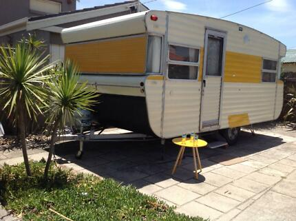 CLASSIC RETRO VISCOUNT 15' x 8' CARAVAN WITH $3,000 ANNEXE