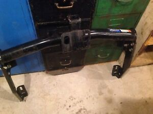 Truck  trailer hitch just like new