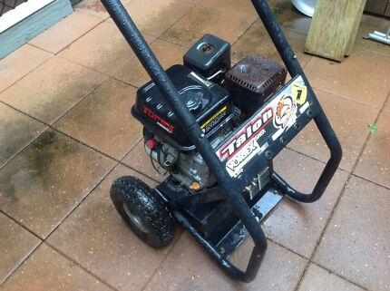 6.5hp motor Cleveland Redland Area Preview