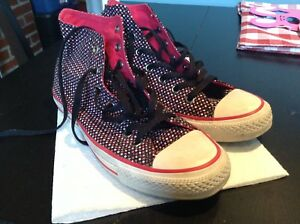 Great cond Star print Converse Chuck Taylors high tops women's 8