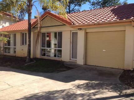 FURNISHED 3 BEDROOM VILLA CLOSE TO BOND UNI Robina Gold Coast South Preview
