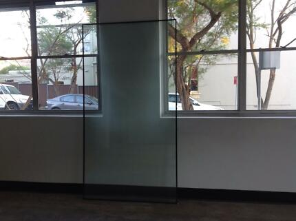 GLASS: HUGE PANELS (2). SLIDING DOOR (1). LAMINATED INSULATING Woollahra Eastern Suburbs Preview