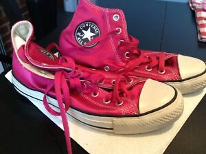 Like new! Converse Chuck Taylors Fushia High Tops Women's 8