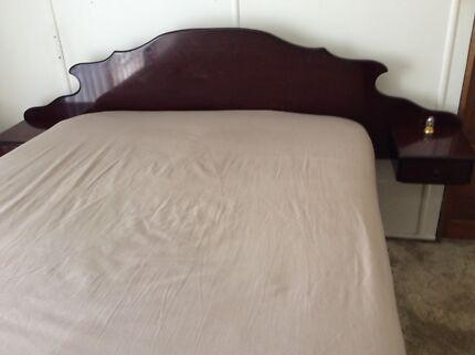 Vintage cedar/rosewood Queen Anne double bed
