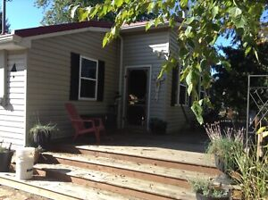 4 Bedroom fully furnished cottage at Ipperwash beach
