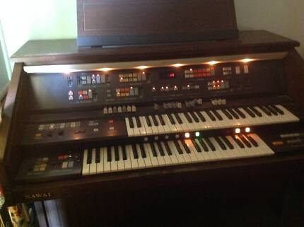 Kawai KX1000 Electronic Organ with stool and Owner's Manual