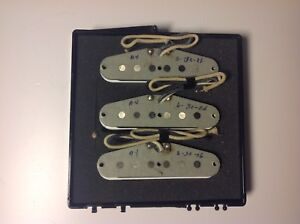 Fender Abigail Ybarra Grey Bobine Stratocaster Ser