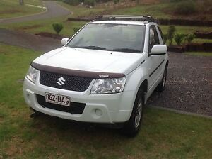Suzuki Grand Vitara c/w Hitch n Go A-Frame for flat tow behind M/home. Blue Mountain Heights Toowoomba Surrounds Preview