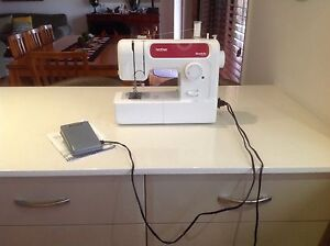 BROTHER SL100 SIMPLICITY WHITE SEWING MACHINE Toowoomba Toowoomba City Preview