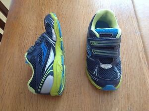 Saucony size 10 toddler runners