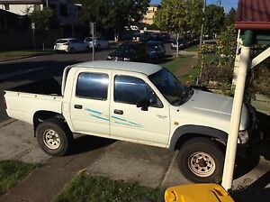 2001 Toyota Hilux Ute Woolloongabba Brisbane South West Preview