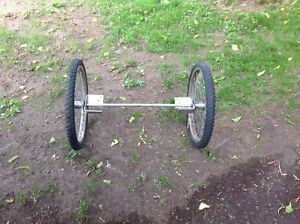 Light strait axle with bike tires