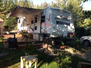 Au camping tournesol, ST ELIE DE CAXTON,  au village de Fred.