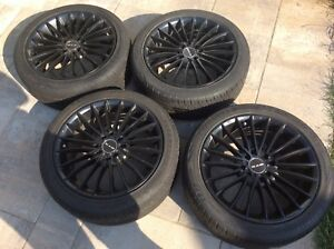 Jolies jantes RTX Turbine noir et pneus