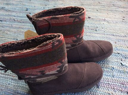 *Brand NEW* Toms Nepal Boots (ugg boots, size 7.5) Seaford Frankston Area Preview