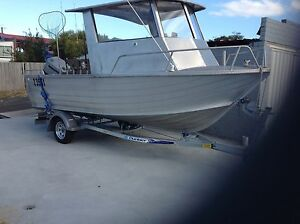 5.2 m with 90  hp Mariner 2004 model low hours $19900 Glenorchy Glenorchy Area Preview
