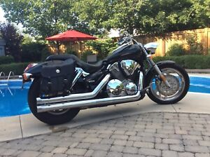 2006 Honda VTX1300 Custom LOW KM Original Owner