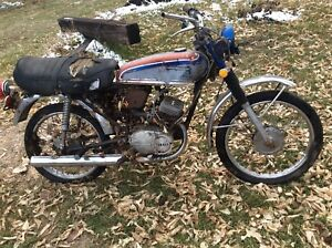 Vintage Yamahas For Parts 1972 LS2 100 1977 XS750 1978 XS1100