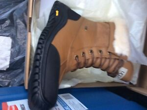 100%**UGG AUSTRALIA**100%**AUTHENTIC**100%**BRAND NEW**100%