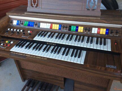 Electric Organ Keyboard