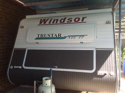 2005 Windsor Trustar  17,000