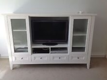 White Entertainment unit Cronulla Sutherland Area Preview