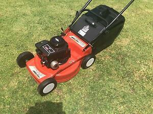 Late model rover 460 lawn mower 4hp 4 stroke 4 blades Wantirna South Knox Area Preview