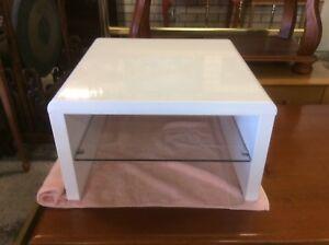 Cream Laquer Lamp Table