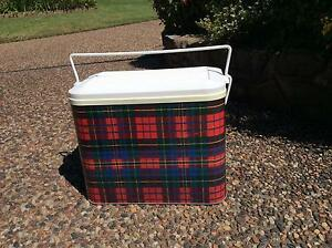 WILLOW RETRO ESKY CLASSIC TARTAN PATTERN Shellharbour Shellharbour Area Preview
