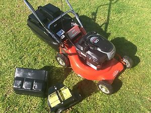Rover key start mulch and catch lawn mower 5hp 4 stroke ex cond Boronia Knox Area Preview