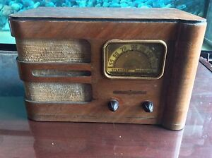 1940 Vintage General Electric Tube Radio