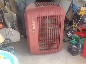 Air conditioner unit,Bonaire Werribee Wyndham Area Preview
