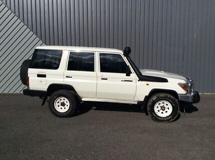 2012 Toyota LandCruiser Wagon EXTENDED WARRANTY  Low kms, As new.