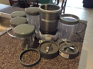 Nutribullet 600w 14 peice (Extra mugs and lids) Sunbury Hume Area Preview