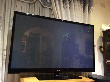 "60""LG Huge screen Full HDTV Usb slimTV good condition nice Picture"