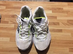 """Women's Saucony shoes size 7 in """"Like New"""" Condition"""
