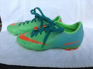 Soccer Cleats, Nike Mercurial, Size 4, very good condition