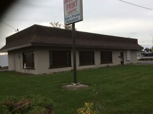 Office building for lease. 2100 square foot