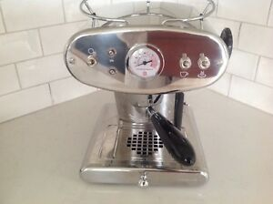Illy Francis Francis  coffee /espresso. Machine