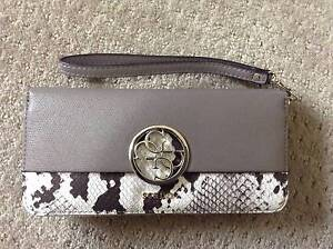 Genuine Guess Wallet Brand New West Wallsend Lake Macquarie Area Preview