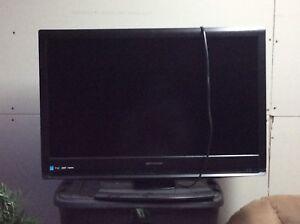 "32"" Emerson TV LCD"