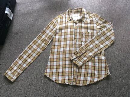 hollister longsleeve shirt size s Box Hill Whitehorse Area Preview