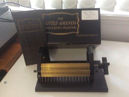 Little Amanda Smocking Machine