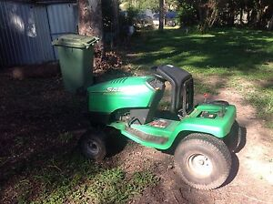 John Deere ride on lawn mower Tallai Gold Coast City Preview
