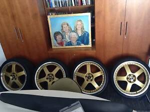 20 INCH GOLD FR.1 SIMMONS 1 PEICE WHEELS FORD 5 STUDD PATTERN Carwoola Queanbeyan Area Preview